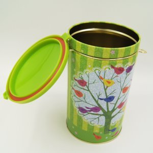 round tea and coffee tin box 300x300 - Round Tin Food Storage Containers With Plastic Lid and Lock